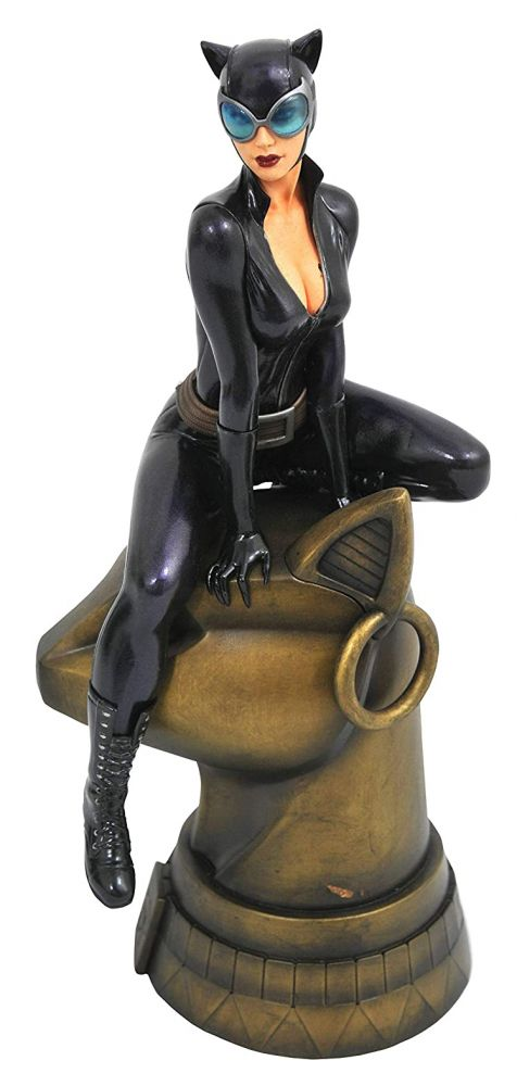 DC Gallery Catwoman PVC Diorama Figure. Diamond Select Toys.