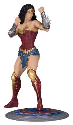 DC Core Wonder Woman PVC Statue. DC Collectibles